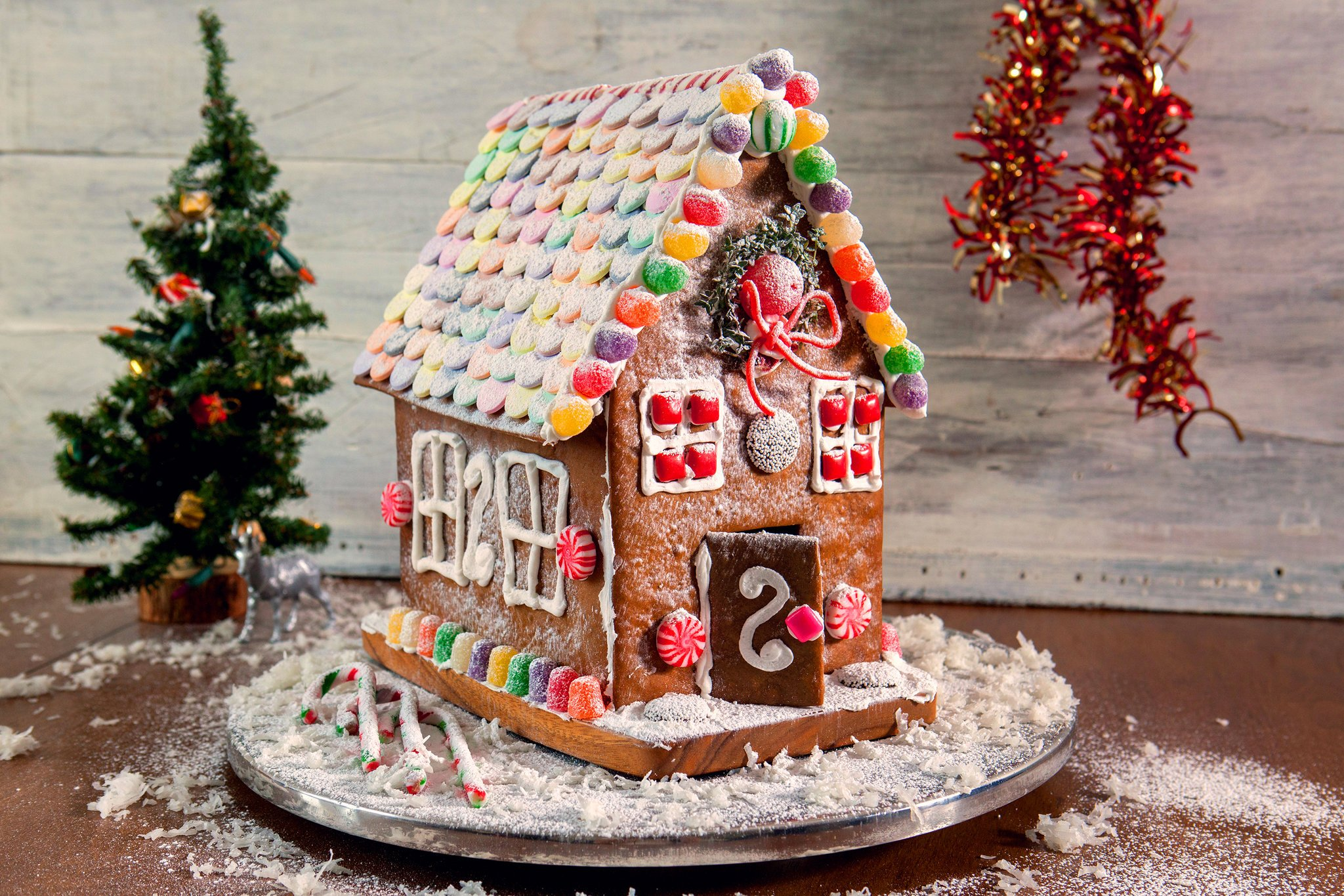 GINGERBREAD HOUSE: Parent & Child Workshop