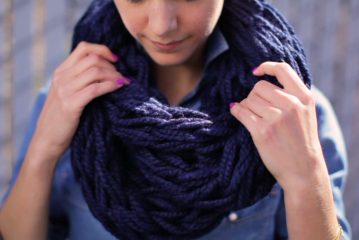 MIDDLE SCHOOL CRAFTERNOON - ARM KNIT AN INFINITY SCARF