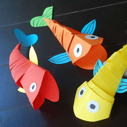 Tween Craft: Moving Fish Origami