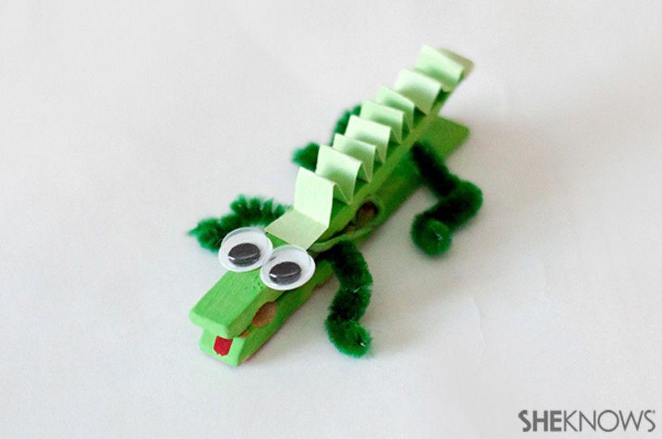 Virtual Graphic Novel Book Club: Clothes Pin Alligator - SRP