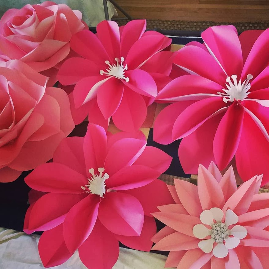 Creating gorgeous paper flowers with our very own Linda and Katrina