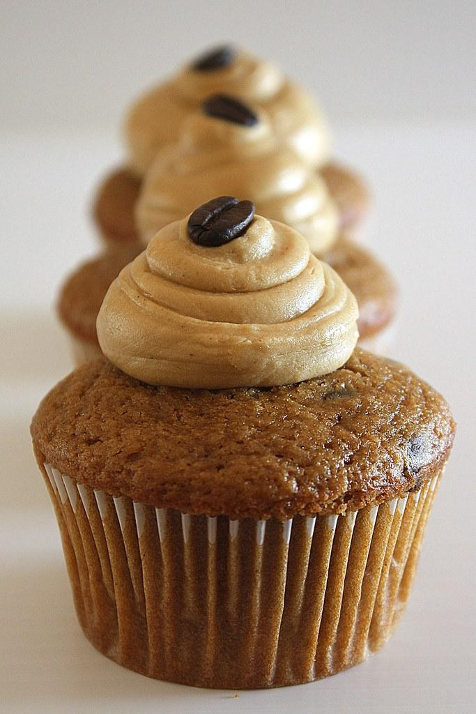 Hygge Series: Cupcake Decorating