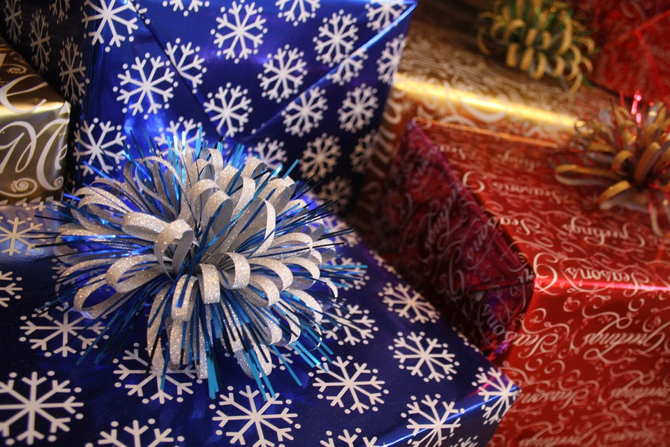 Gift Wrap Workshop & Holiday Movie Double-Feature