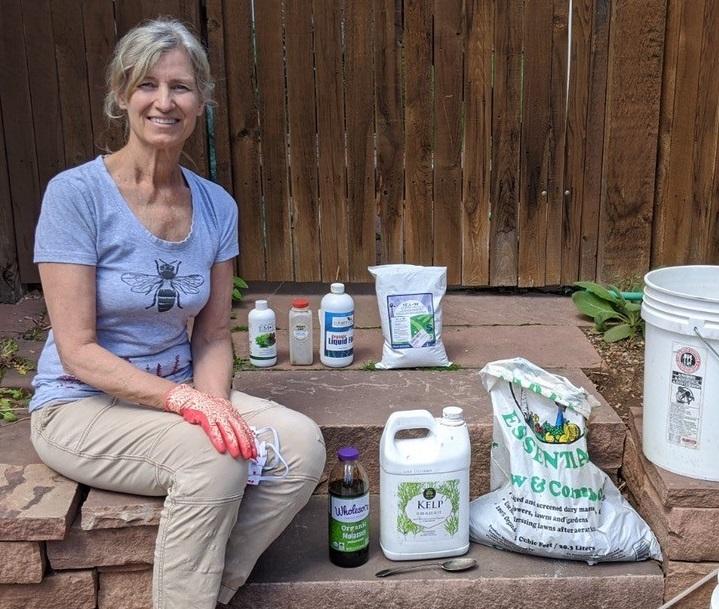BeeChicas: Compost Tea for Your Garden