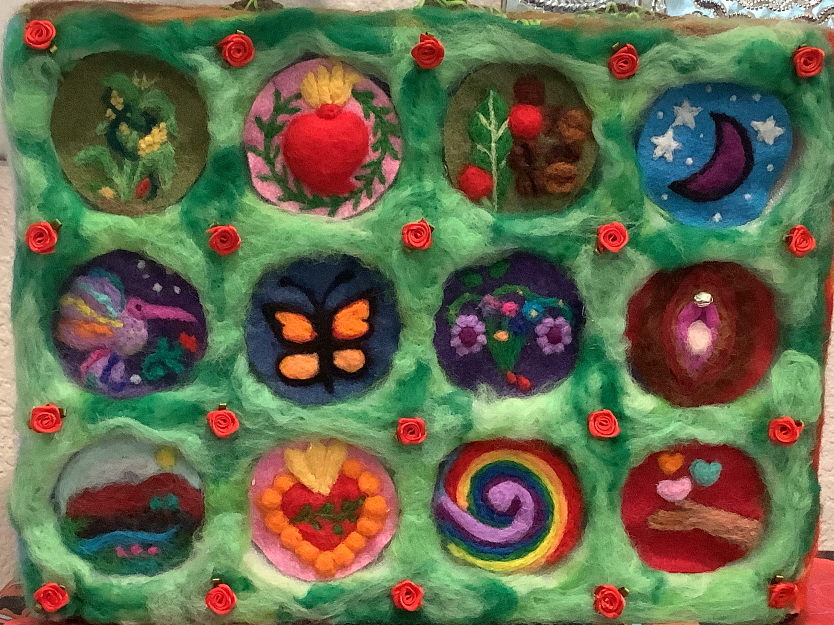 Needle felting to connect our story with Mother Earth / Lana Picada para Conectar Nuestra Historia con la Madre Tierra