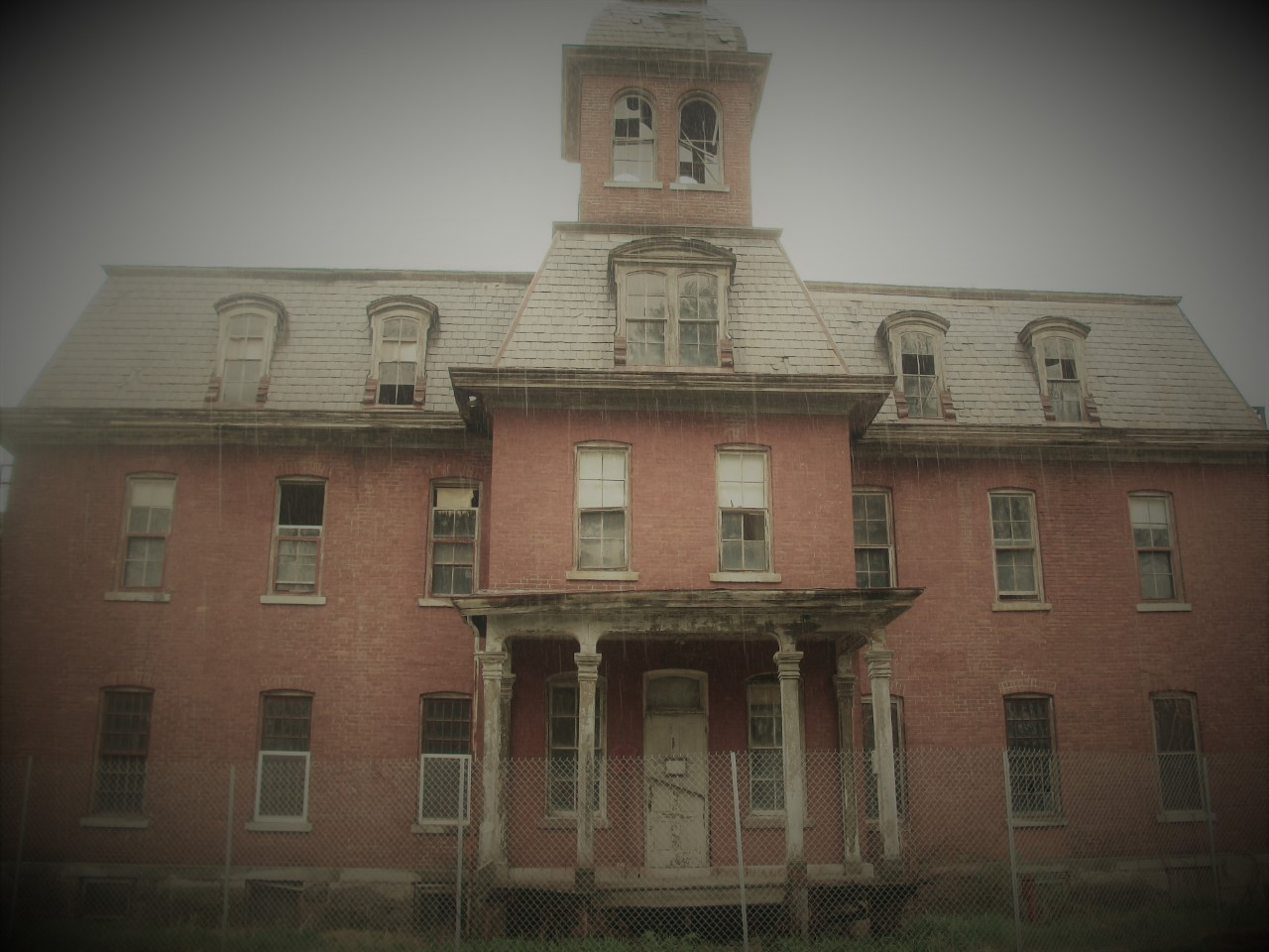 Beneath Our Feet They Lie: Revisiting the Lost Souls of Western New York`s Asylums and Poorhouses (Online)