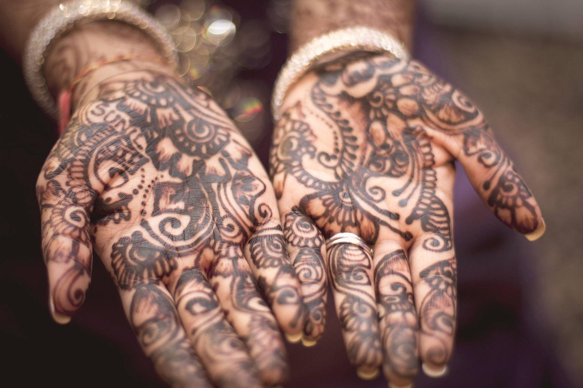 Mehndi with Meena & DIY Light-Up Zodiac Signs