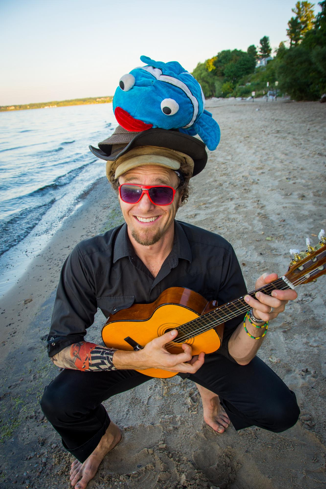 Music Makers Wonderland with Topher Holt