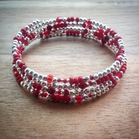 Teen/Tween Monthly Craft - Holiday Bracelets