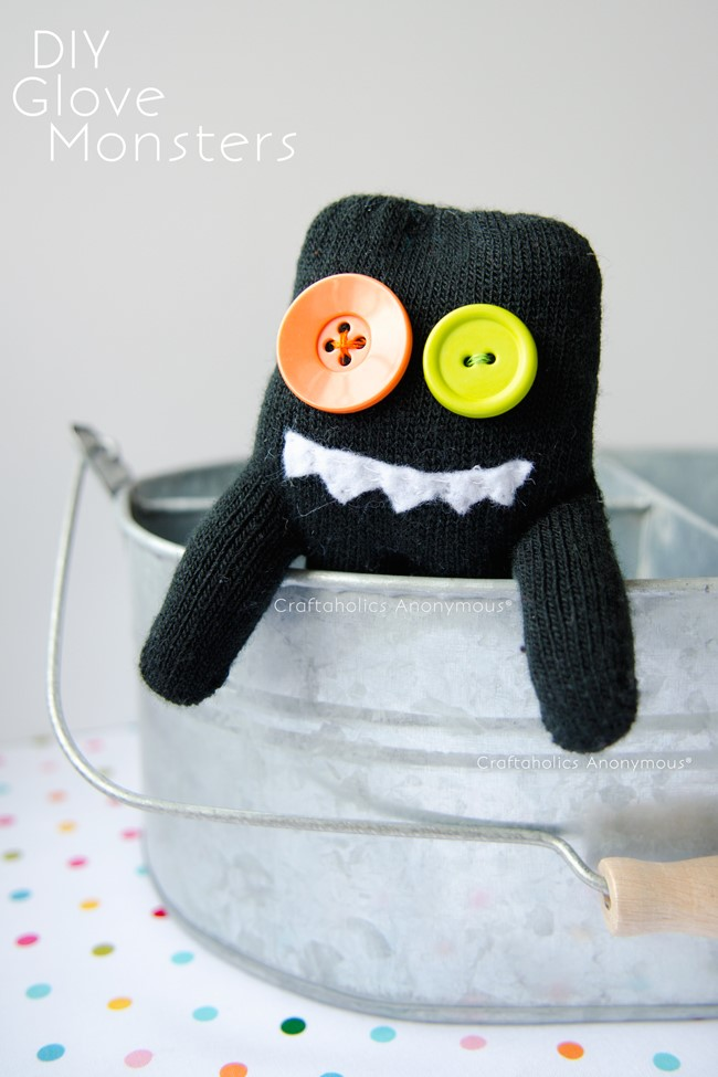 Tween Glove Monsters: Take-Home Kit