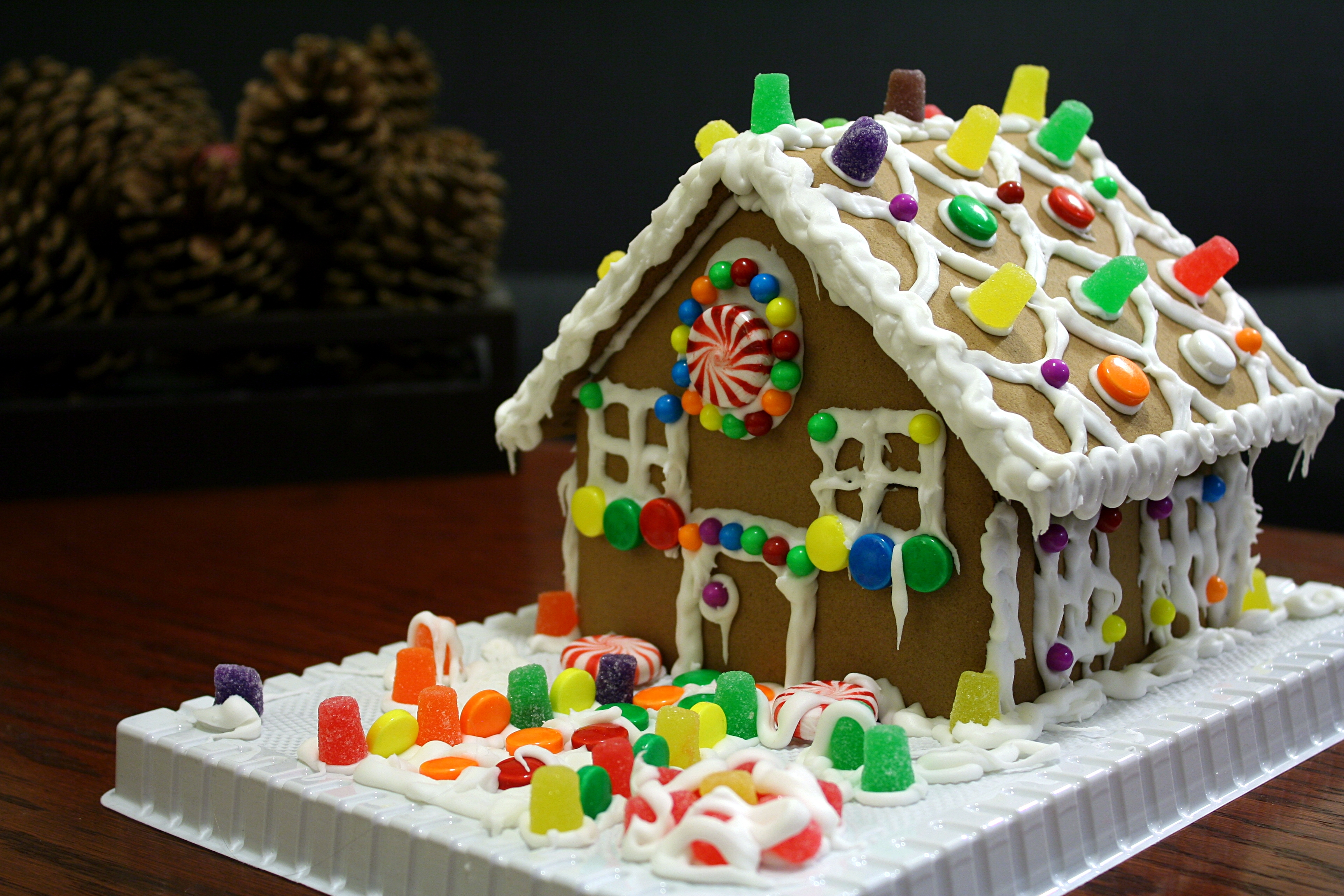 Gingerbread House ((FULL))