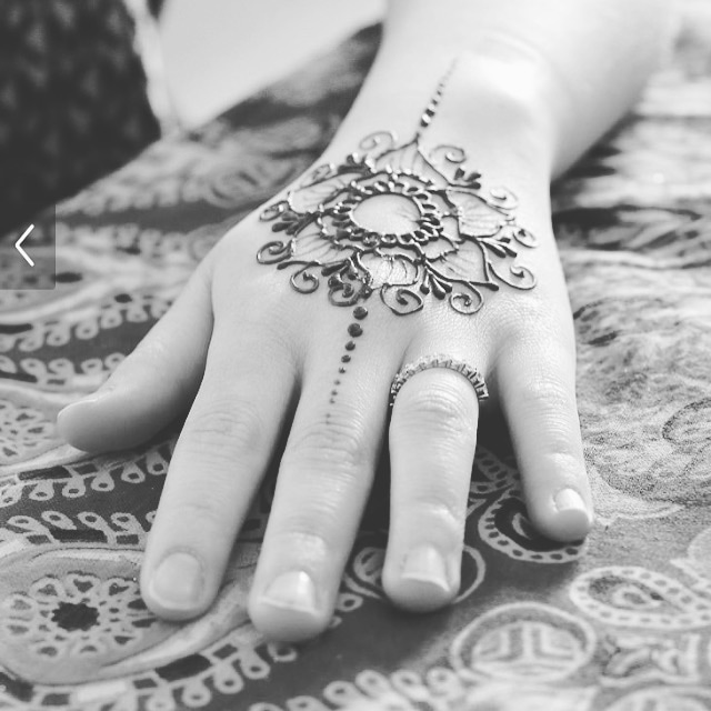 Henna Tattoos (Ages 12+)