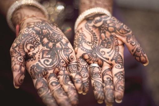 Second Sundays: Henna Candles