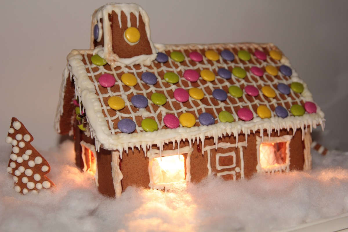 FULL! Waiting List only. Build Your Own Graham Cracker House w/ Explore & More