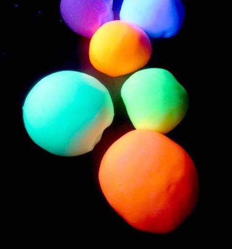 Kids Create! Glow in the Dark Bouncy Balls