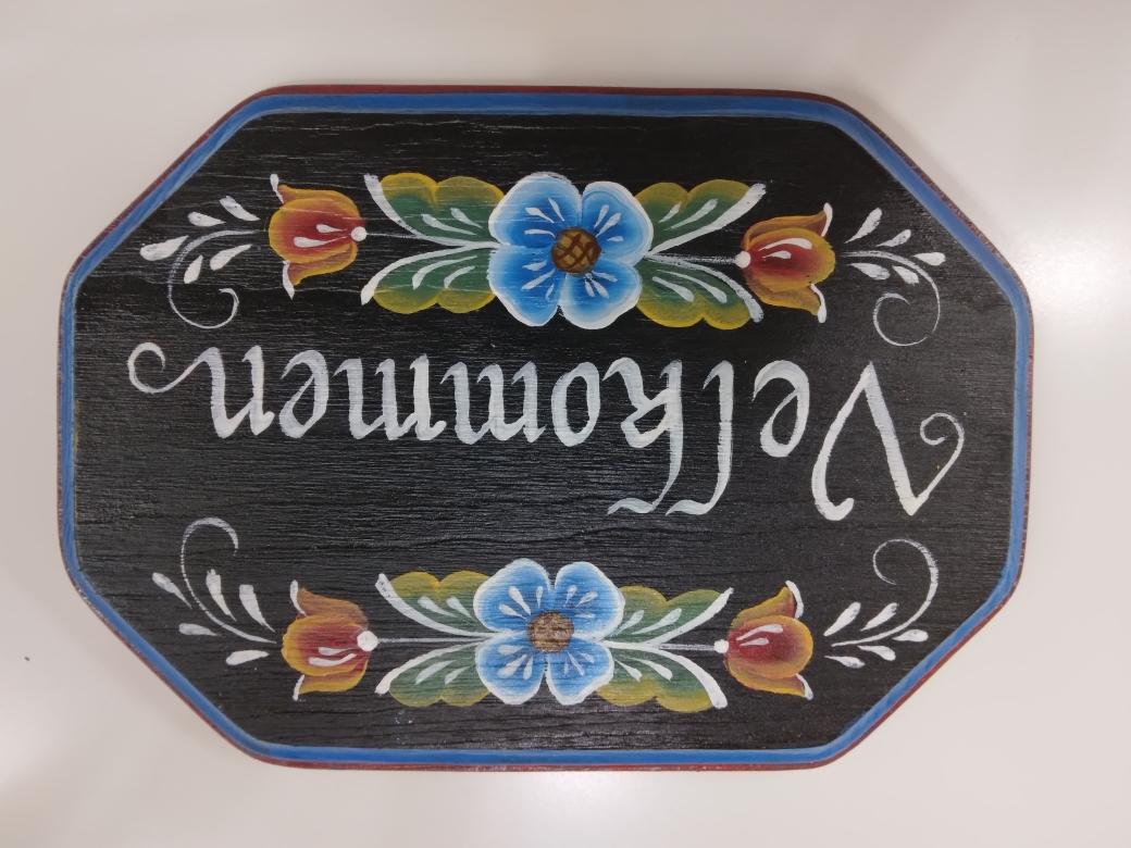Craft a Rosemaling Plaque