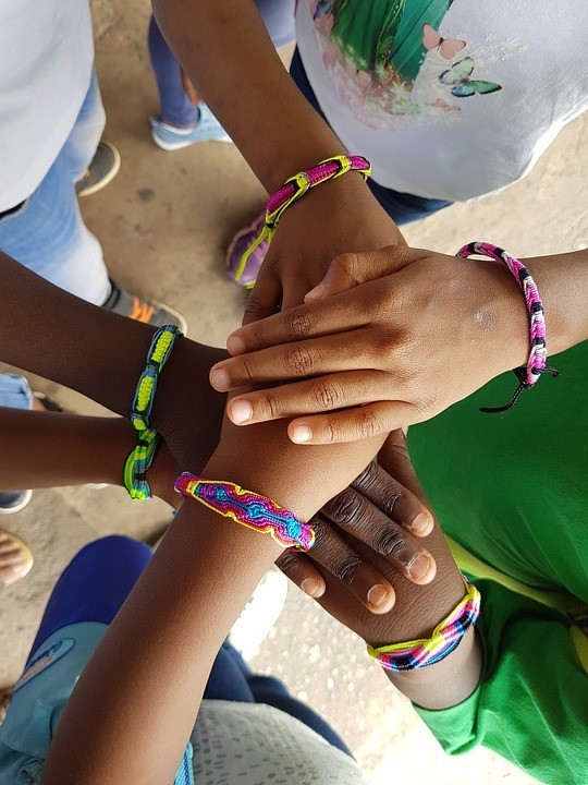 Teen Zone: Friendship Bracelets