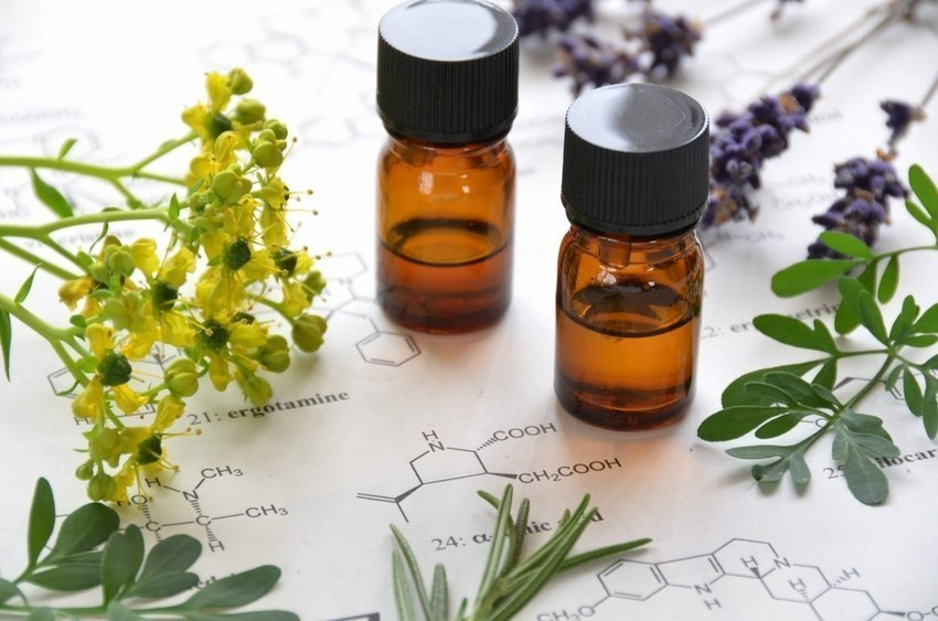 Clean Green:Using Essential Oils to Help with Your Spring Cleaning