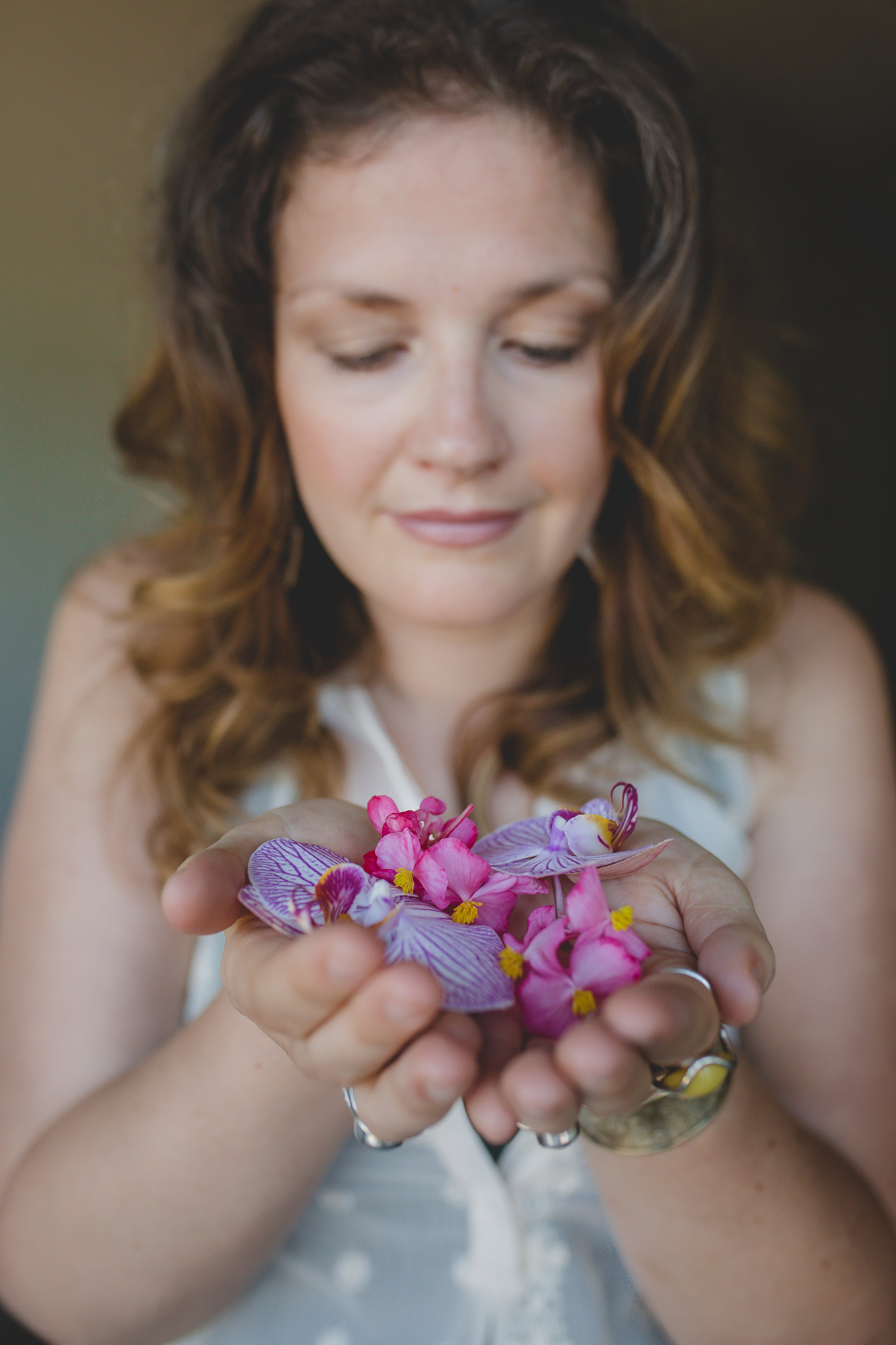 Aromatherapy with Essential Oils: Debunking Myths