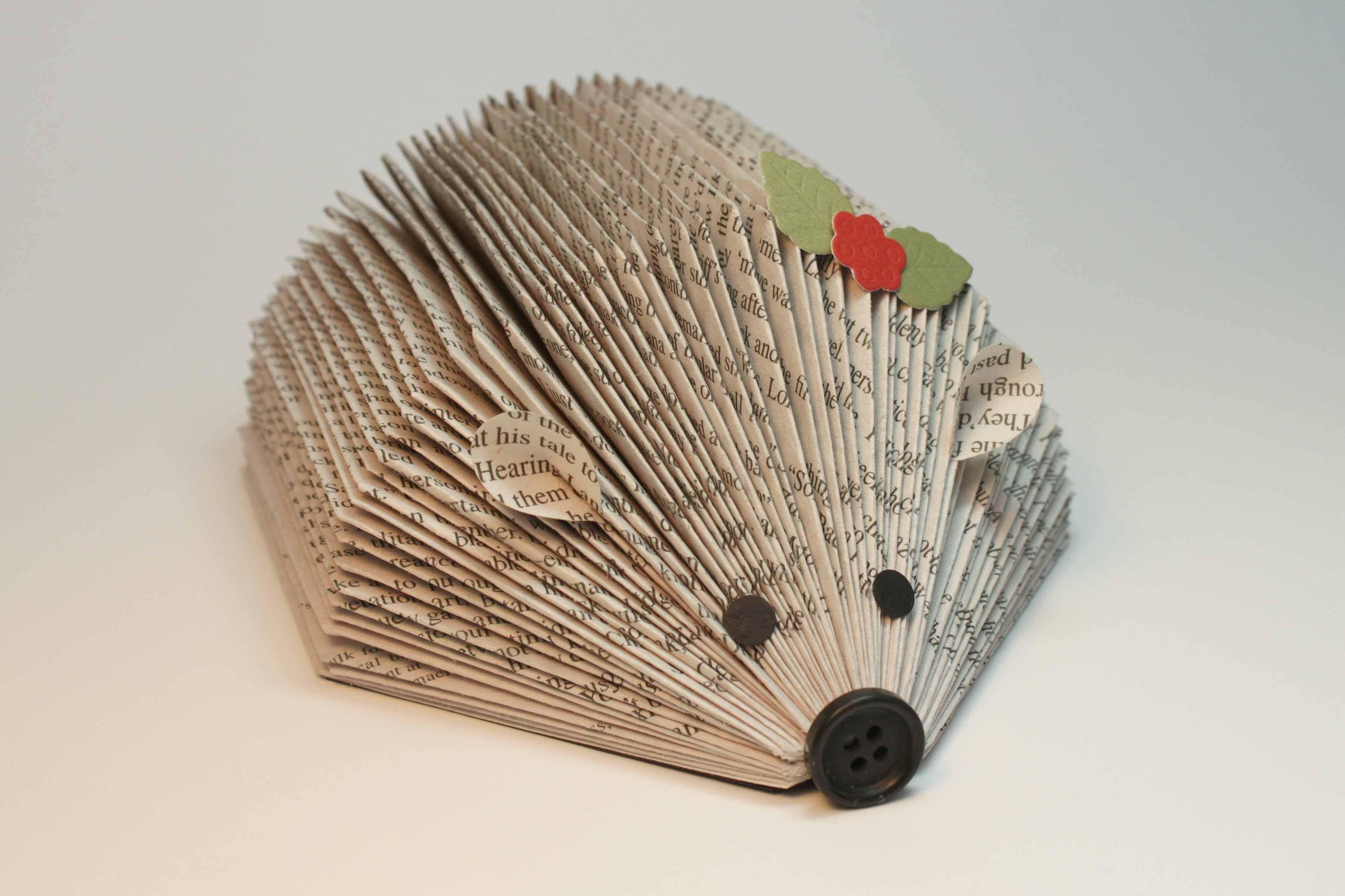 Winter Crafts on Zoom (grades K-6) Animal Book Art