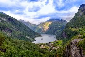 The Traveling Librarian presents Norway