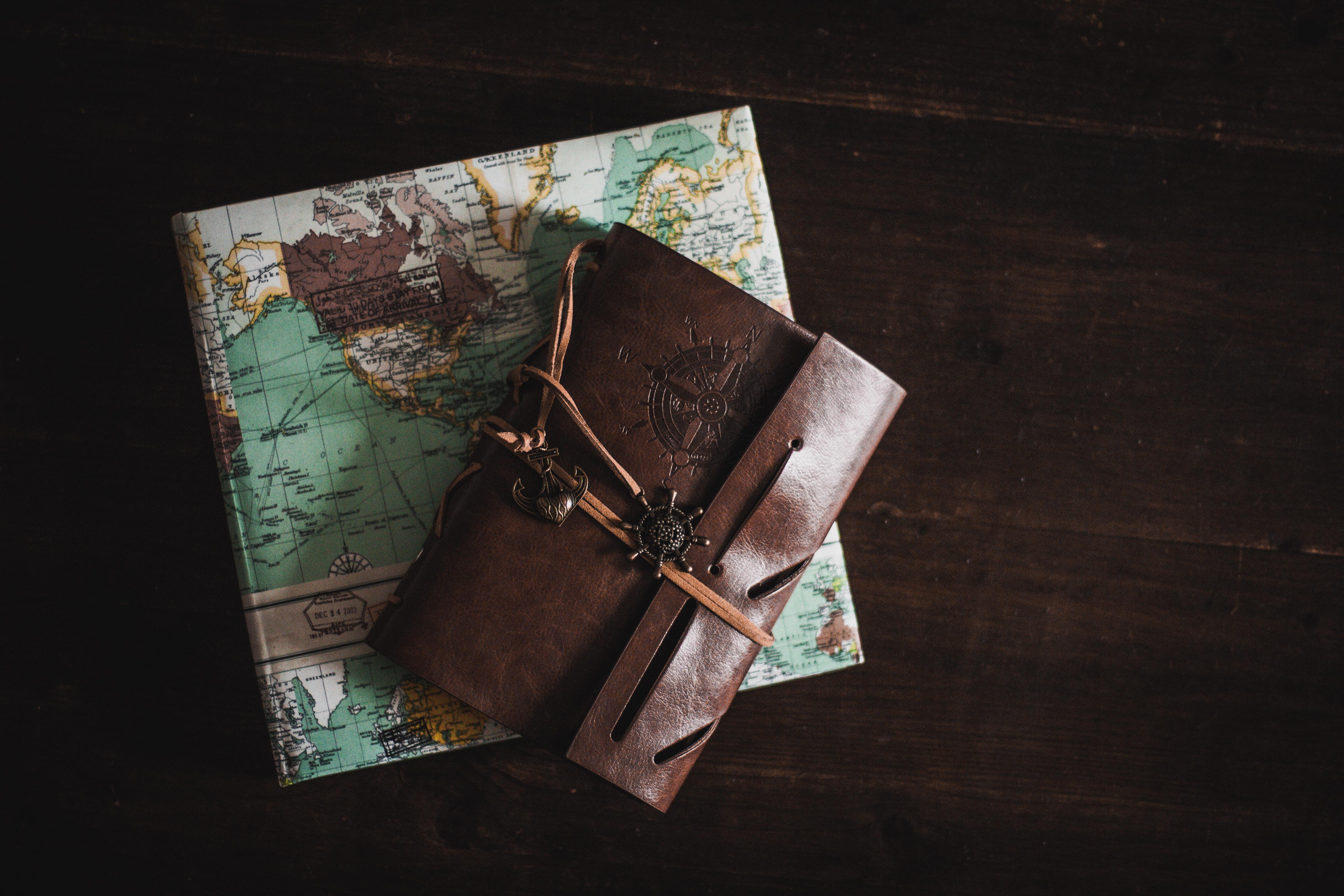 Kiki & Fifi Traveling Through Books Episode 7